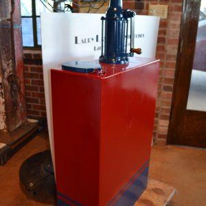 Vintage 30 Gallon Lubester/Tank