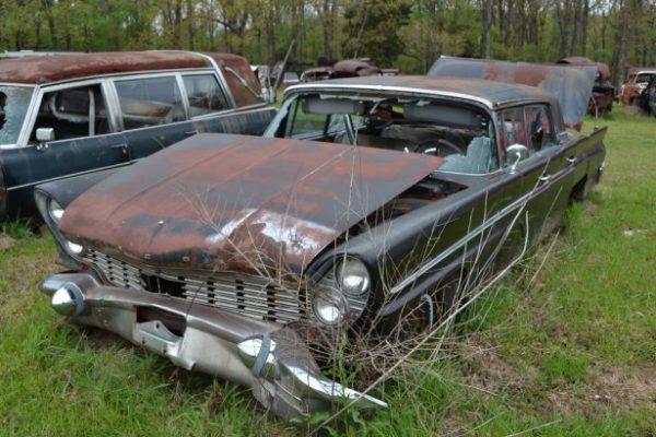 1960 Lincoln Premiere *Parts Car*
