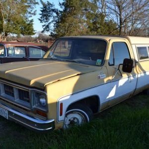 1974 GMC Custom 1500 Pickup Truck w/ 350cid *Parts Car*